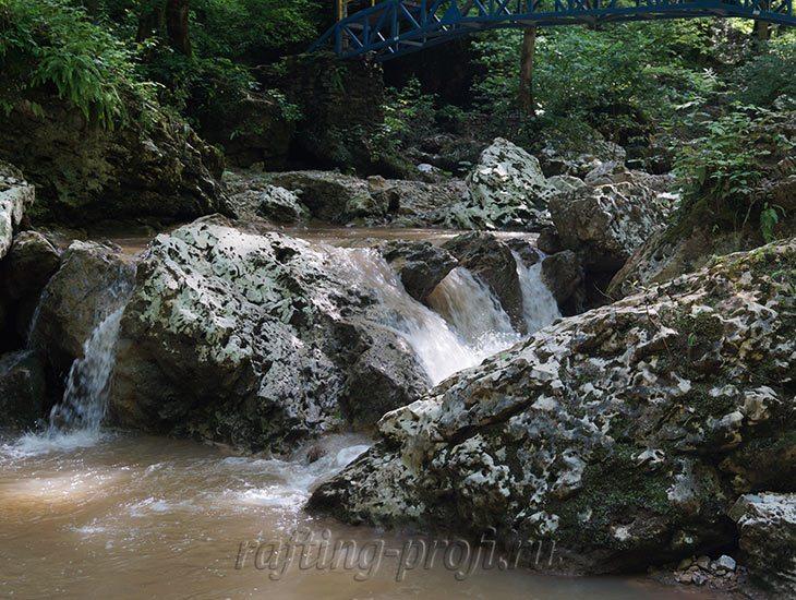 Водопады Ручья Руфабго 20