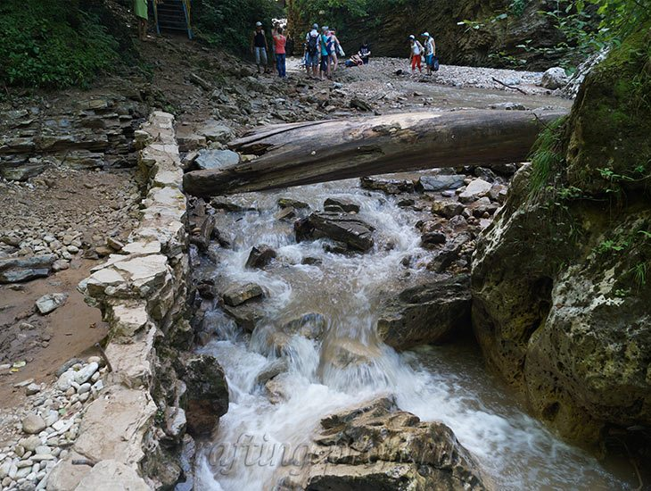 Водопады Ручья Руфабго 12