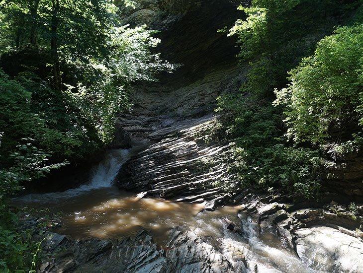 Водопады Ручья Руфабго 8