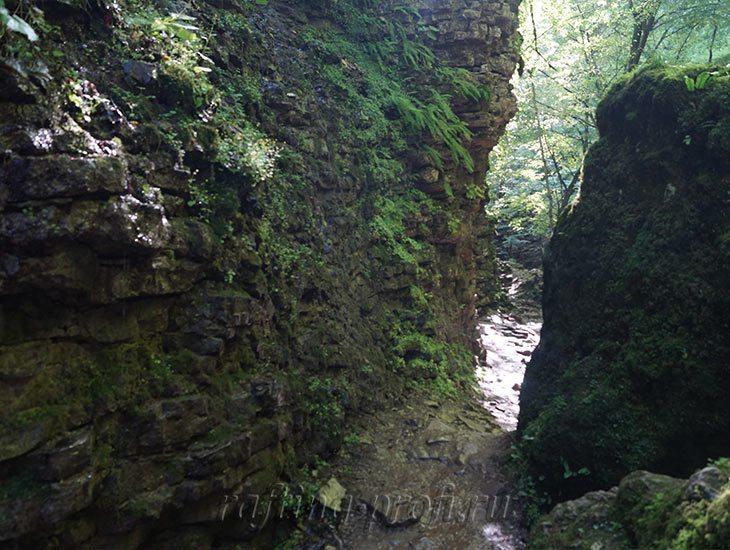 Водопады Ручья Руфабго 14