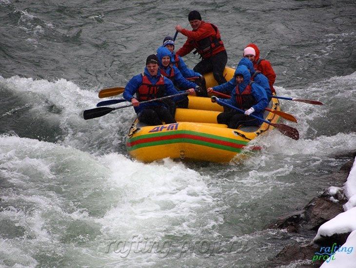 Рафтинг зимой по реке Белой 6