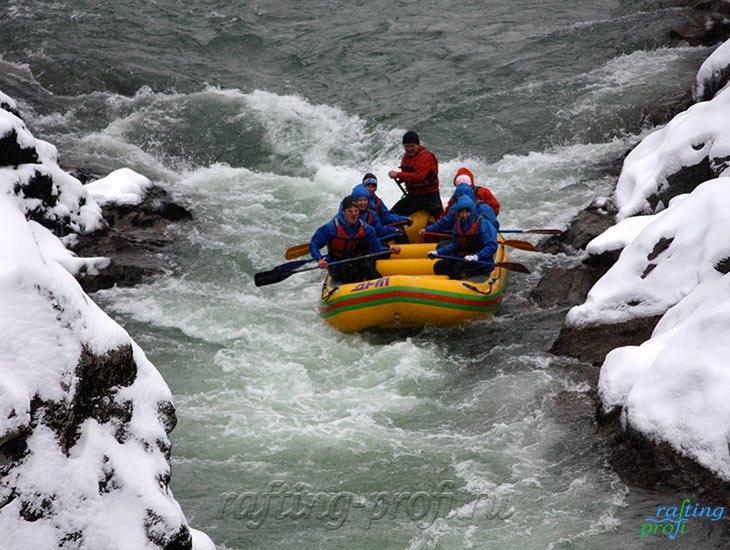 Рафтинг зимой по реке Белой 10