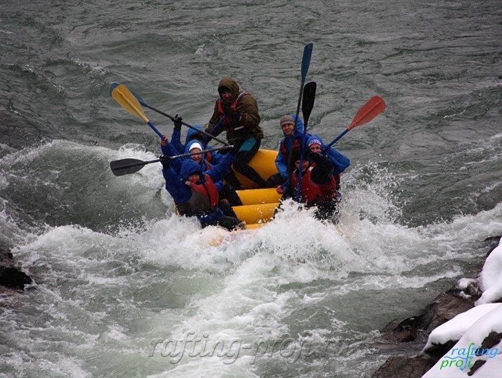Рафтинг зимой по реке Белой 21