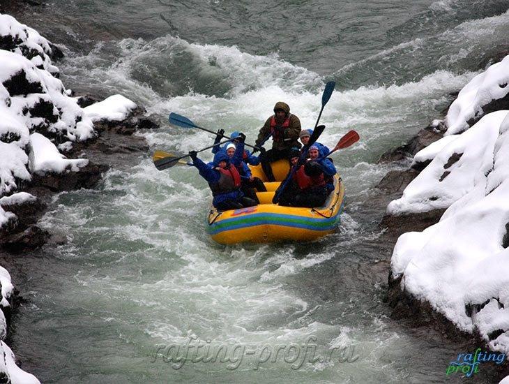 Рафтинг зимой по реке Белой 22