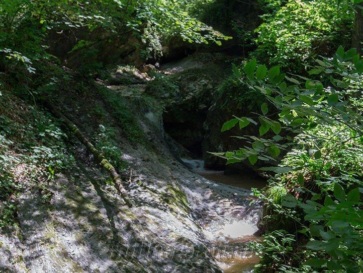Водопады Ручья Руфабго 33