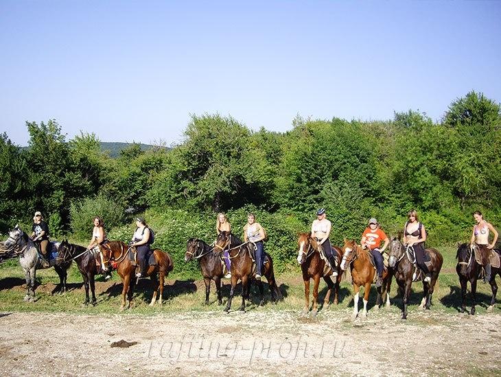 Конные прогулки в горах Адыгеи 7