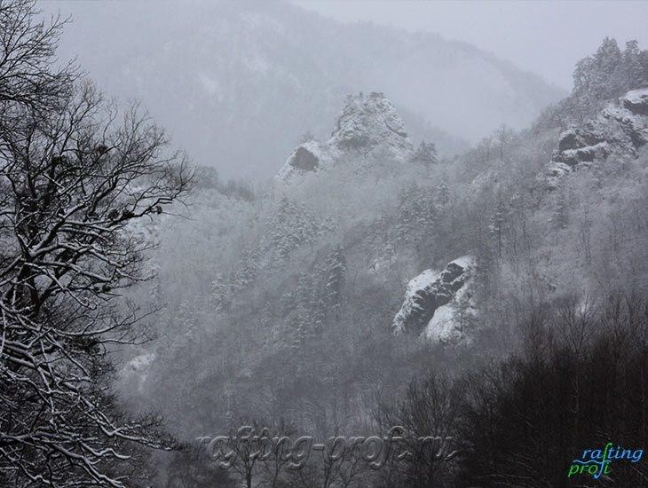 Рафтинг зимой по реке Белой 9