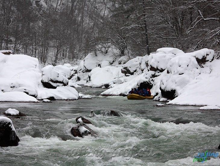 Рафтинг зимой по реке Белой 25