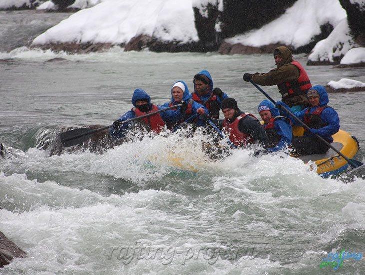 Рафтинг зимой по реке Белой 30